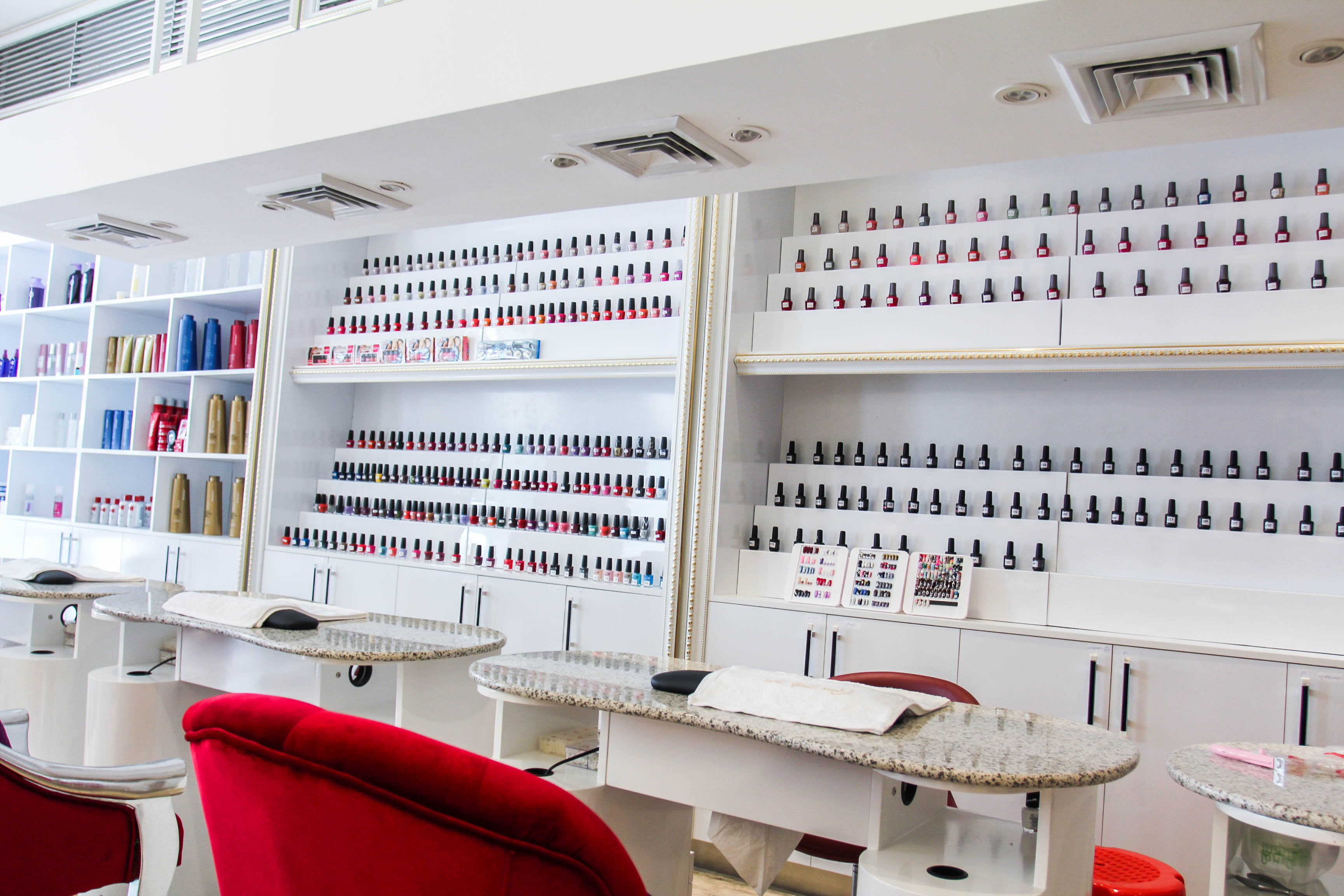 Judy Salon Beauty Salon Nail Polish Display Maxk Dsign